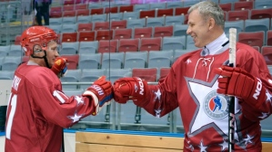 Putin and Vyacheslav Fetisov